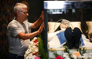 Matka Teresa z brazylijskiej Kalkuty. Jej ciało nie uległo rozkładowi [GALERIA]