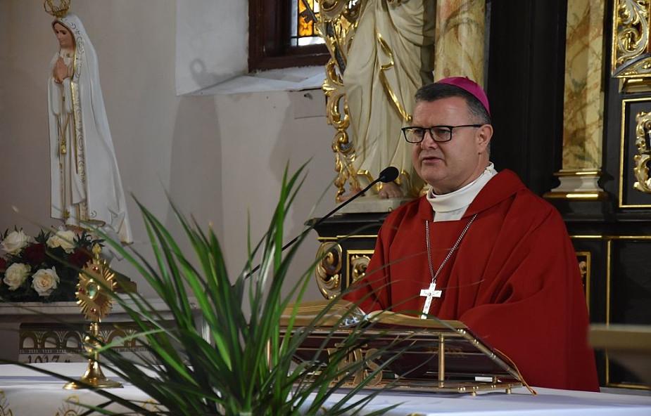 Bp Śmigiel: Bł. ks. Popiełuszko był sprawiedliwym pośród niesprawiedliwych
