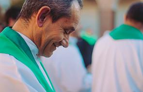 Ojcowie synodalni dyskutują nad dokumentem końcowym