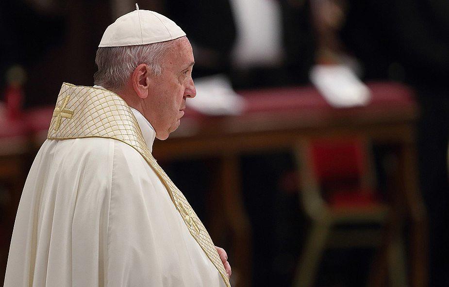 Papież przeprosił za kradzież amazońskich figurek z rzymskiego kościoła