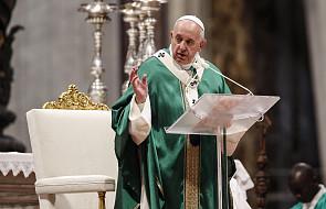 Papież: gdy wierzący uważają się za lepszych, stają się cynicznymi kpiarzami