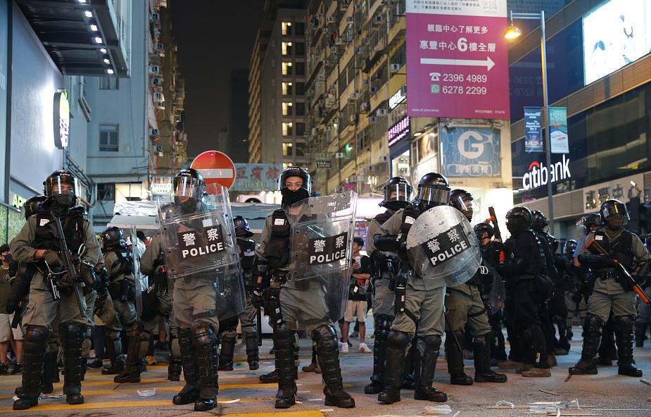 Hongkong: policja użyła gazu łzawiącego do rozpędzenie protestu