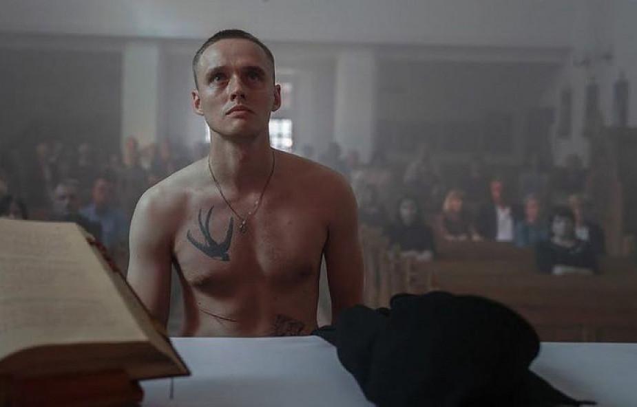 """To on był pierwowzorem fałszywego księdza z """"Bożego Ciała"""". Jak po latach patrzy na to, co zrobił?"""