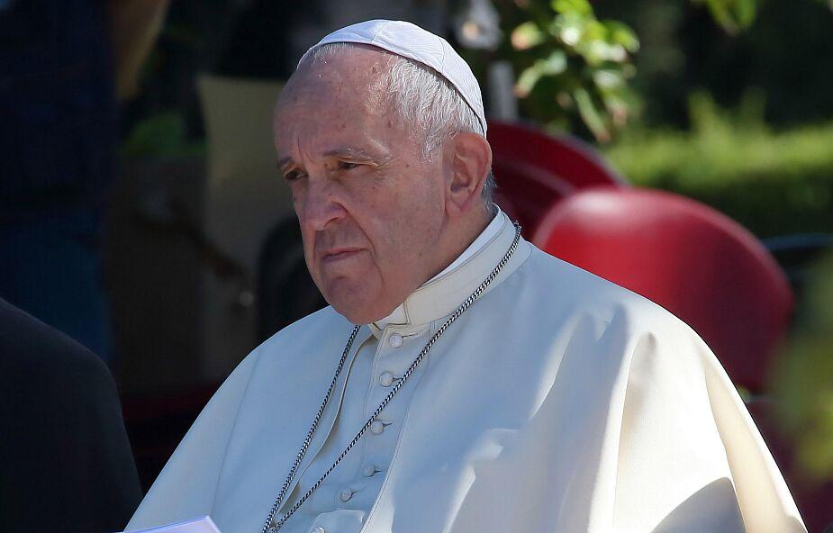 Papież: żyjemy w społeczeństwie, w którym dominuje poczucie osierocenia