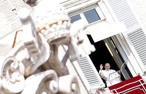 """Franciszek na """"Anioł Pański"""": żyjmy w postawie służby"""
