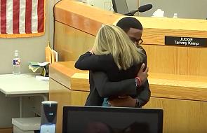 Zabiła mu brata, na sali sądowej przebaczył kobiecie i poprosił o zgodę na przytulenie jej
