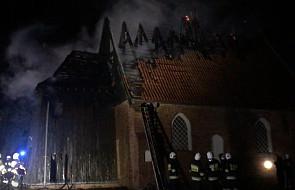 Pomorskie: pożar dachu zabytkowego kościoła w Orłowie
