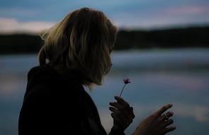 """Gdyby miała pewność, że mąż ją słyszy powiedziałaby mu tylko """"Kocham Cię"""""""