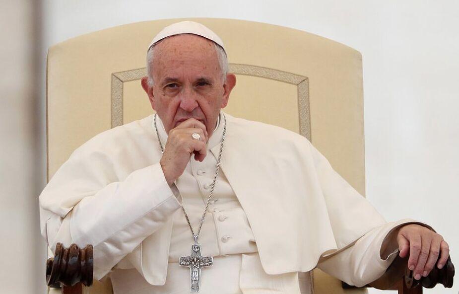 Watykan: Franciszek modlił się o zakończenie pandemii koronawirusa