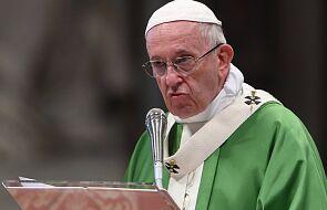 """Papież wyjawia, dlaczego powiedział """"nie"""" żonatym księżom"""