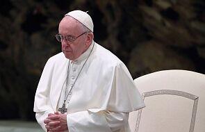 Papież modlił się za bezdomnego zmarłego z zimna i za rodziny w potrzebie