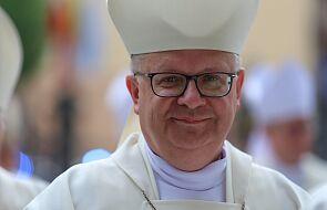 Bp Czaja precyzuje przepisy dotyczące transmisji mszy