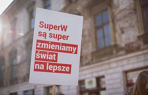 Korowód Szlachetnej Paczki przeszedł ulicami Warszawy