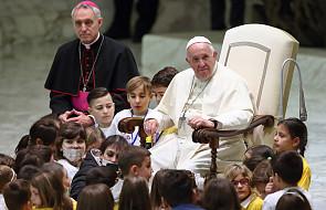 Papież: tajemnica cierpienia dzieci stanowi moralne wyzwanie