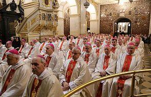 Czternastu polskich biskupów jest zarażonych koronawirusem