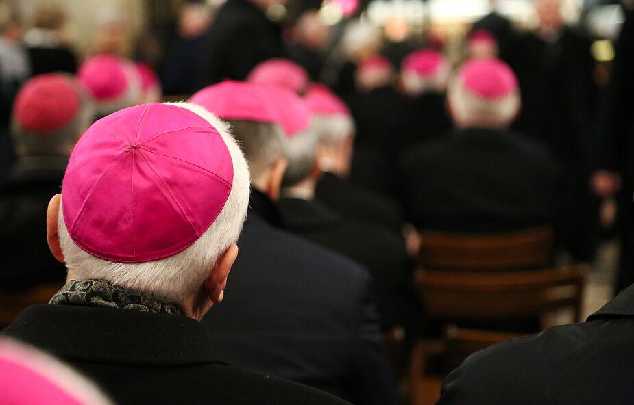 Krzyżak: w Watykanie toczy się postępowanie wobec kilkunastu biskupów z Polski