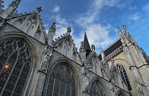 Francja: brak zgody w kwestii odbudowy katedry Notre Dame