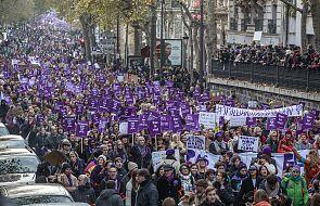 Francja: w Paryżu kilkadziesiąt tysięcy osób na marszu przeciw przemocy wobec kobiet