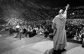 Kolejne wielbienia na kilkanaście tysięcy osób z o. Szustakiem! Znamy miejsca