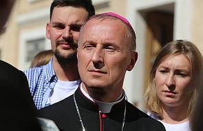 Bp Solarczyk: czy nasz udział w niedzielnej mszy jest spotkaniem z Jezusem, który żyje?