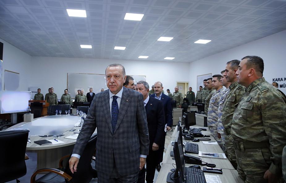 Turcja zapowiada, że będzie odsyłać dżihadystów do krajów pochodzenia