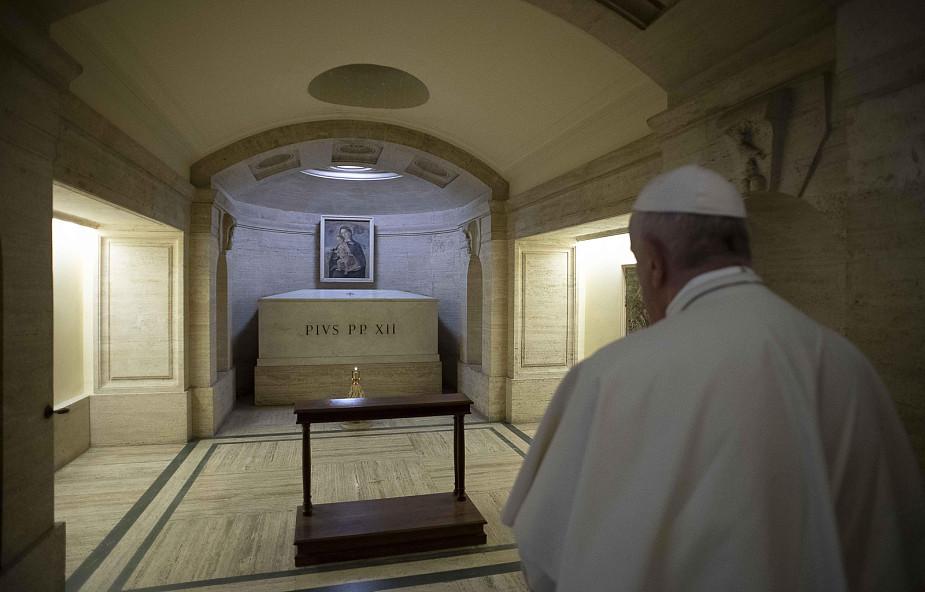 Papież Franciszek: żyjmy jutrzenką zmartwychwstania