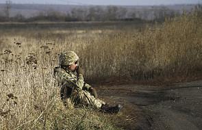 Ukraina: siły rządowe i separatyści wycofują się z linii frontu w Donbasie
