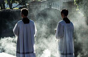 Dlaczego księża odchodzą? Powodów jest kilka