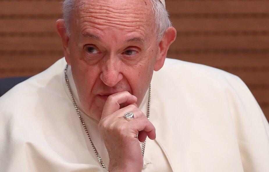 Kard. Stella: Papież potrzebuje modlitwy, potraktujmy to poważnie