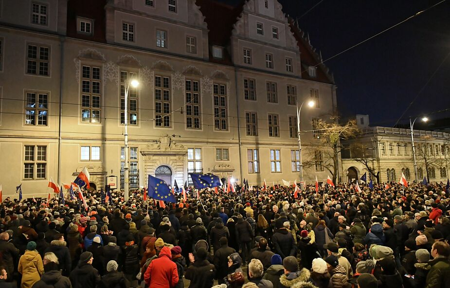 Rozpoczęły się manifestacje przeciwko zmianom w sądownictwie