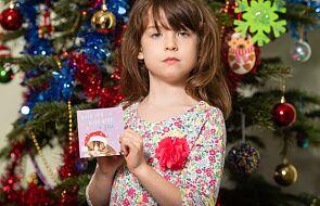 Apel o pomoc napisali na kartce świątecznej. Znalazła go sześciolatka