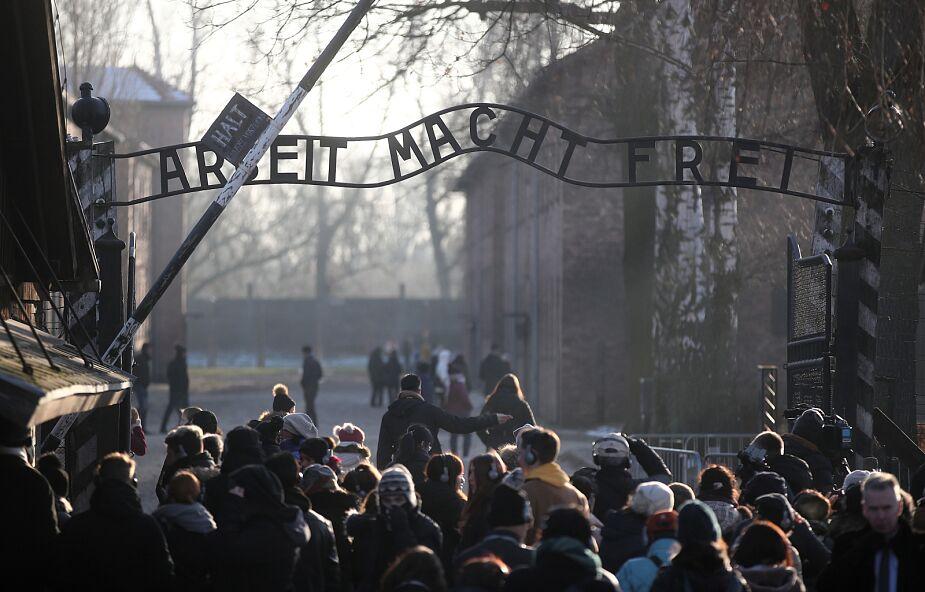 Obchody 10-lecia Fundacji Auschwitz-Birkenau z udziałem z b. więźniów, premiera RP, kanclerz Niemiec