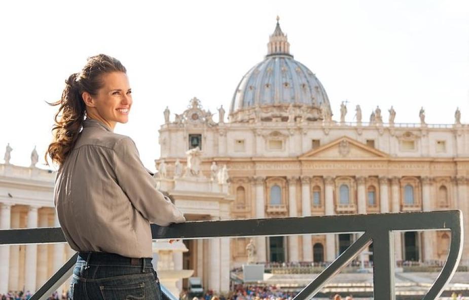 Już nie jako szare i posłuszne cienie. Kobiety konsekrowane są mocną stroną Kościoła