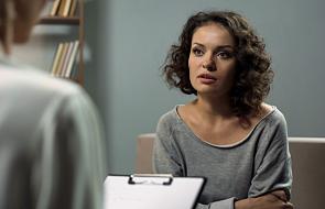 """""""Psychoterapia nie jest dla wariatów"""". Jeśli rozważasz spotkanie z terapeutą, ten tekst jest dla ciebie"""