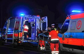 Łódzkie: trzech policjantów rannych w nocnym pościgu; padły strzały