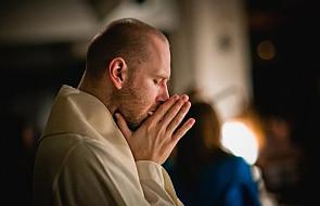 Poznaj 3 etapy budowania dojrzałej relacji z Bogiem. Przyjdź na spotkanie Szkoły Duchowości
