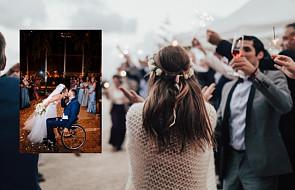 """Niepełnosprawny pan młody... zatańczył na ślubie. """"To najpiękniejsza rzecz, jaką widziałem"""""""