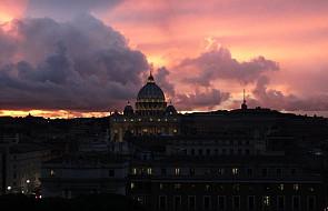 Watykan: bukiety pierwiosnków dla zakonnic