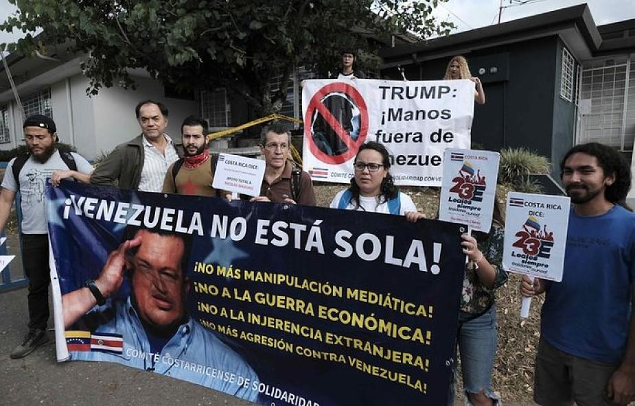 """Wenezuela: Maduro nakazał zamknąć granicę z Brazylią. Transporty humanitarne uznał za """"tanią pokazówkę"""" opozycji"""
