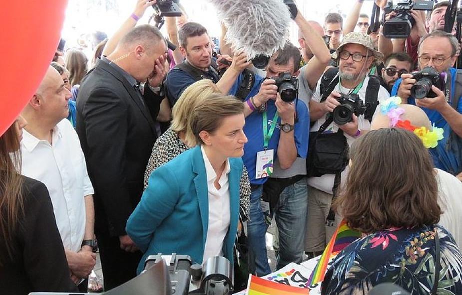 Serbia: partnerka premier Any Brnabić urodziła syna. 40% Serbów uważa homoseksualizm za chorobę