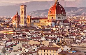 """Włochy: 50 euro dla młodych mieszkańców Florencji na zakup książek i prasy. Kampania pod hasłem """"Bądźcie ciekawi"""""""