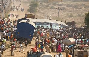 7 osób zginęło, 29 rannych wskutek wykolejenia się pociągu w Indiach