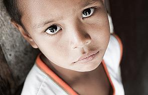 """""""Kubek mleka"""" - misyjna akcja polskich katechetów. Pomagają dzieciom w Argentynie"""