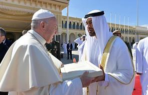 """""""New York Times"""": odwiedzając Emiraty papież złamał kilka tabu"""