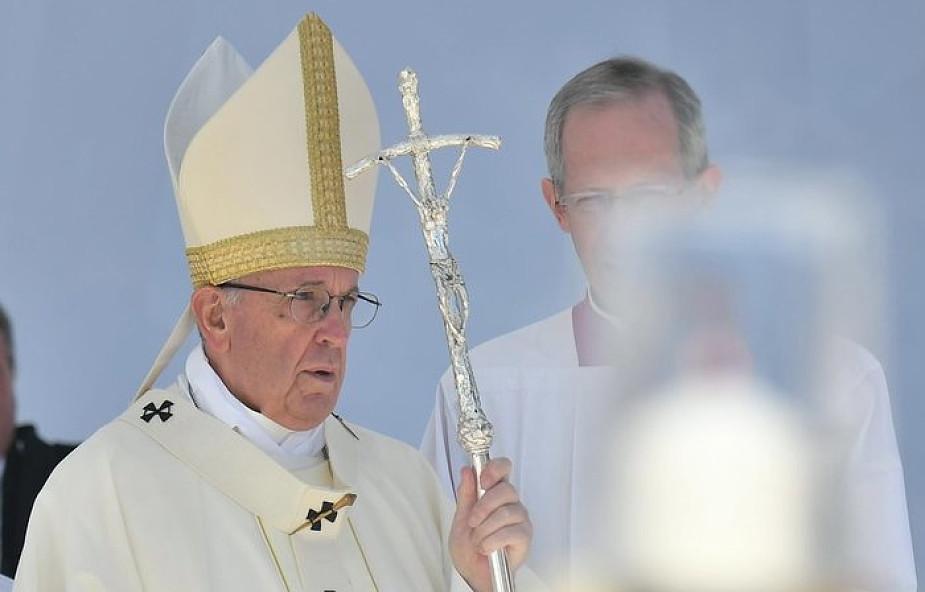 """Papież Franciszek: ten problem mnie przeraża. """"Cierpię z powodu tego, co się dzieje"""""""