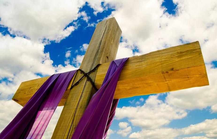 """""""Razem szturmujemy niebo"""". 40 kapłanów będzie podejmowało całodzienny post o chlebie i wodzie"""