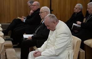 """""""Te słowa papieża mogą być ważne dla nas wszystkich"""". Rozpoczęły się rekolekcje Franciszka"""