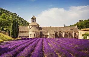 Francja: doroczna loteria wspomoże klasztory i kościoły. Obok zdrapek po 15 euro będzie też można kupować tańsze losy po 3 euro