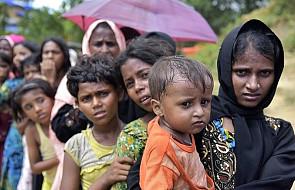 Bangladesz chce wysiedlić Rohingjów z obozów na wyspę