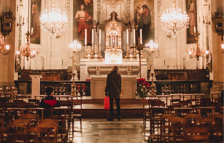 Dlaczego musimy projektować (i płacić za) piękne kościoły? [WYWIAD]